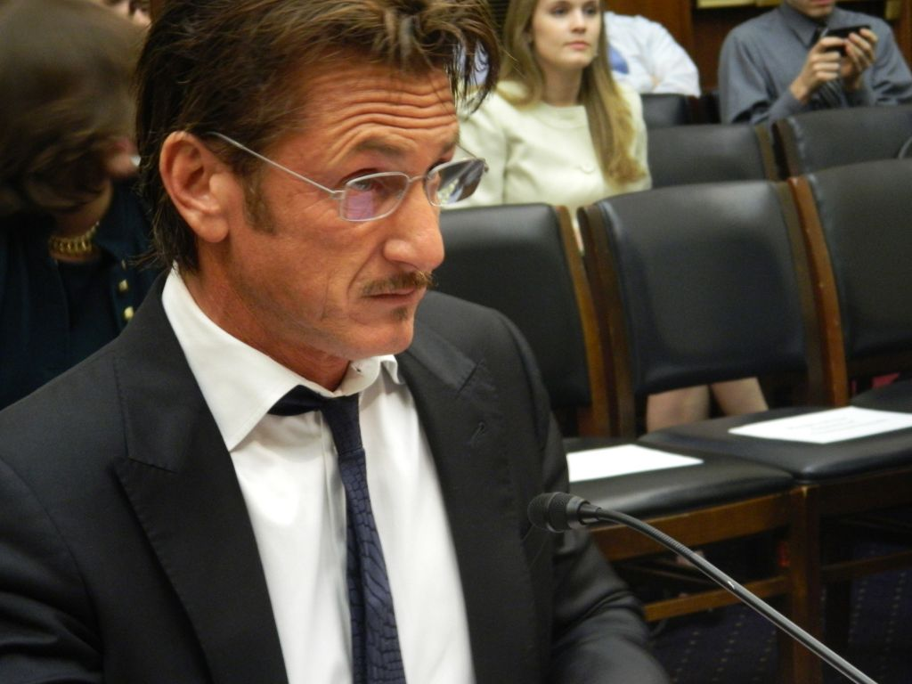 Sean Penn speaking at the congressional hearing in Washington on behalf of Jacob Ostreicher, who has been held on house arrest in Bolivia for nearly two years, May 20, 2013. (photo credit: Suzanne Pollak/JTA)