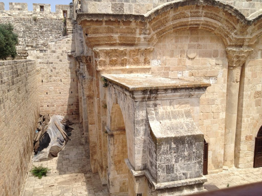 Beams (left) near the Golden Gate on the Temple Mount, this week (photo credit: Matti Friedman/Times of Israel)