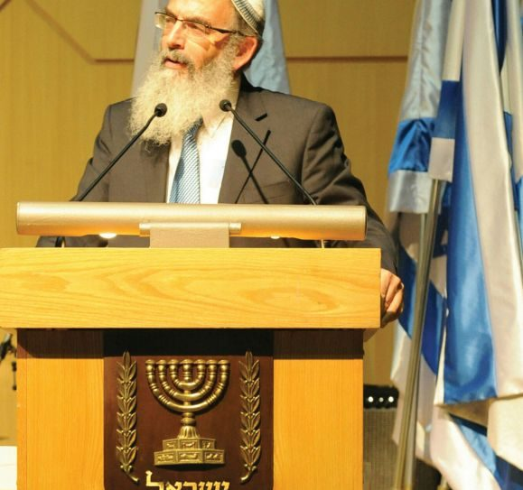 Rabbi Stav has pledged to end corruption of the rabbinic court system and privatize kashrut certification.