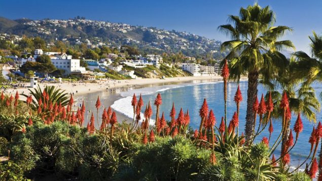 The craggy shoreline of Laguna Beach offers a combination of beautiful scenery, warm air and surprisingly chilly water.