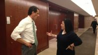 Sarri Singer, a terrorism survivor, speaks with Anthony Weiner following JCRC meeting. Jeff Stier