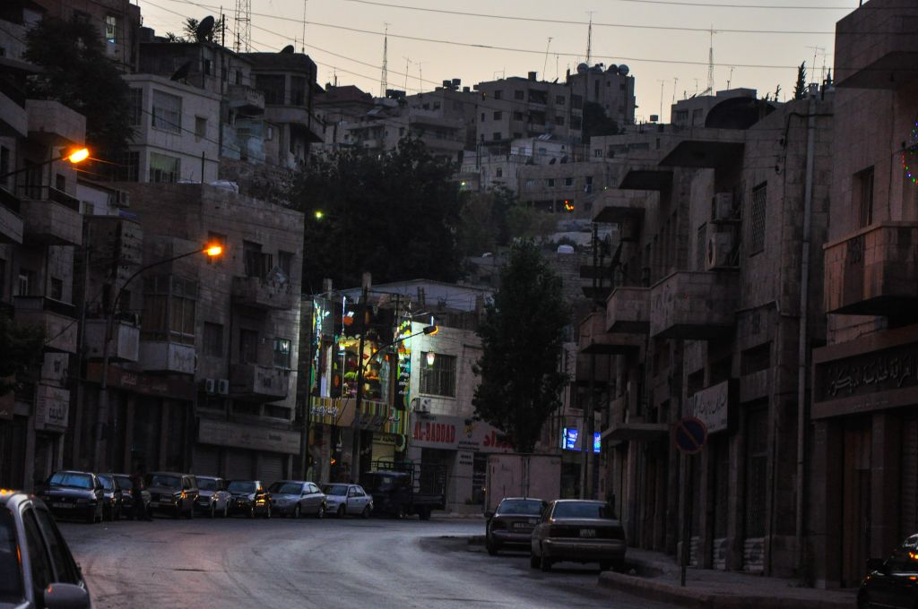 A desolate street before the lifting of the fast (photo credit: Michal Shmulovich/Times of Israel)