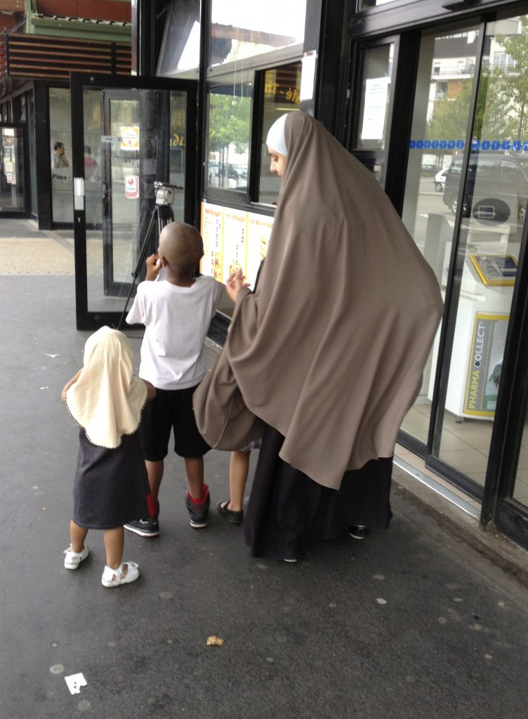 la france muslim Women shunned in some muslim neighborhoods in france for france to guarantee freedom of islam if muslims seen in rillieux-la-pape in eastern france.