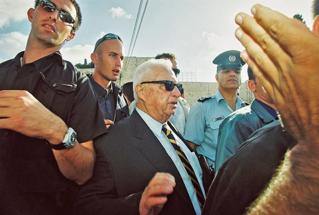 Ariel Sharon visits the Temple Mount, September 28, 2000 (Photo credit: Flash90)