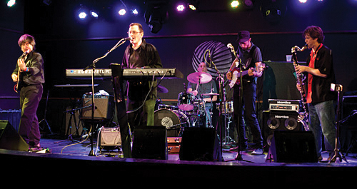 The Breslov Bar Band brings a funk backbeat and jazz drive to the songs of the Breslover chasidim.