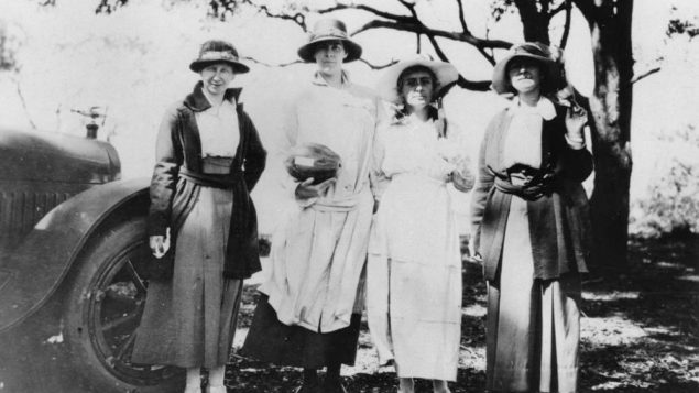 Australian women on an outing in the early 1900s. Wikimedia Commons