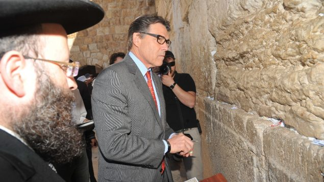 Texas Gov. Rick Perry visits the Western Wall on Oct. 22, 2013. Photo courtesy Office of the Rabbi of the Western Wall