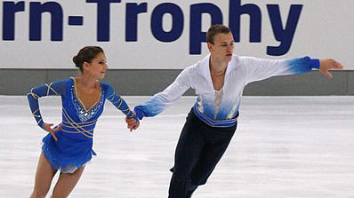 Andrea Davidovich and Evgeni Krasnopolski, members of the Israeli delegation to Sochi, skate at the Nebelhorn Trophy in Oberstdorf, Germany, in September (photo credit: Luu/Wikipedia Commons)