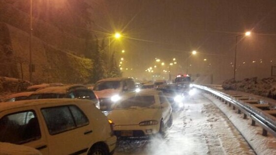 Cars stranded at the entrance to Jerusalem early Friday morning. (photo credit: Israel Hatzolah)