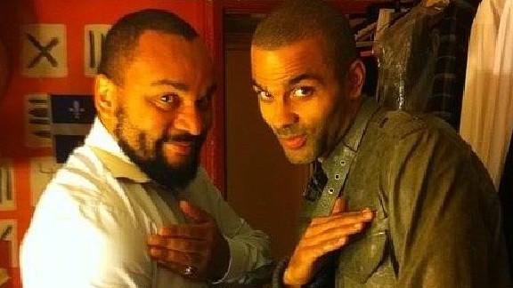 NBA star Tony Parker, right, performs the quenelle gesture with its inventor, French comedian Dieudonne (photo credit: Instagram/Bestquenelle)