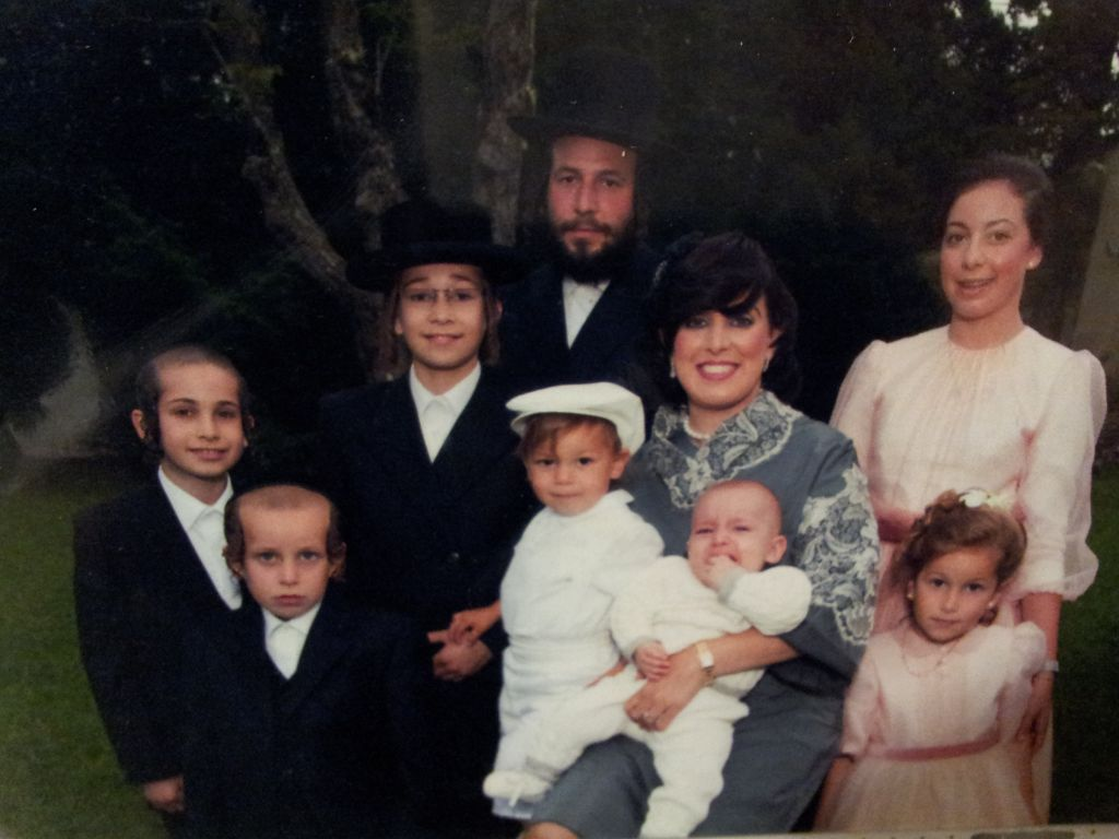 Menachem Stark with his family (photo: courtesy of Abraham Buxbaum)