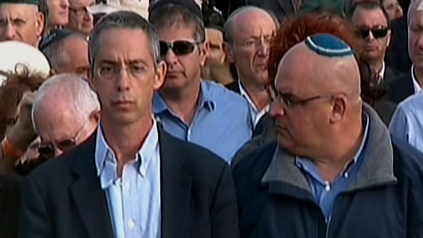 Gilad and Omri Sharon eulogize their father at his funeral, Monday, January 13, 2014. (photo credit: screen shot/Channel 2)