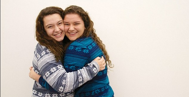 Mikayla Stern-Ellis (right) discovered that her fellow Tulane University student and new friend Emily Nappi share the same sperm donor, making them half-sisters and one another's only biological sibling. (photo credit: Claire Brown/ The Tulane Hullabaloo)