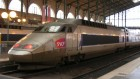 Train en gare SNCF (Crédit : Vincent Babillotte/Wikimedia commons)