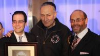 Sen. Charles Schumer with honoree Ari Baum, left, and breakfast chairman Larry Spiewak. Courtesy of COJO Of Flatbush