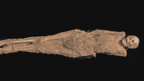 A 1,300-year-old mummy of a woman who was found to have a tattoo on her inner thigh (Photo credit: Youtube screen capture)