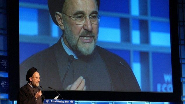 Mohammad Khatami au Forum mondial de l'Économie en 2004 (Crédit : World Economic Forum/Flickr)