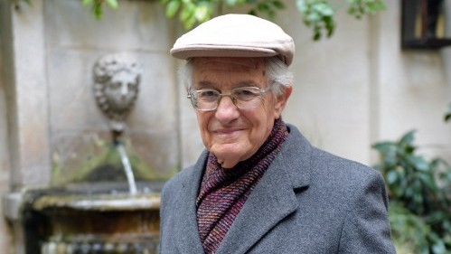 German-British historian Edgar Feuchtwanger, 88, who as a child lived with his family in Munich near the private residence of Adolf Hitler on Grillparzer Strasse, in Paris on January 17, 2013. (photo credit: AFP Photo/Miguel Medina)