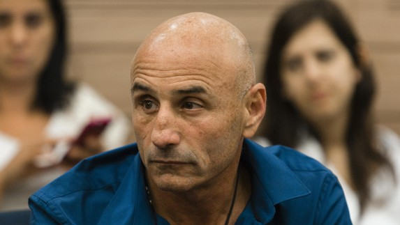 MK Ofer Shelah (Yesh Atid) seen during the Foreign Affairs and Defense Committee meeting at the Knesset, during the committee's vote on a new chairman, on Monday, May 12, 2014. (Flash90)