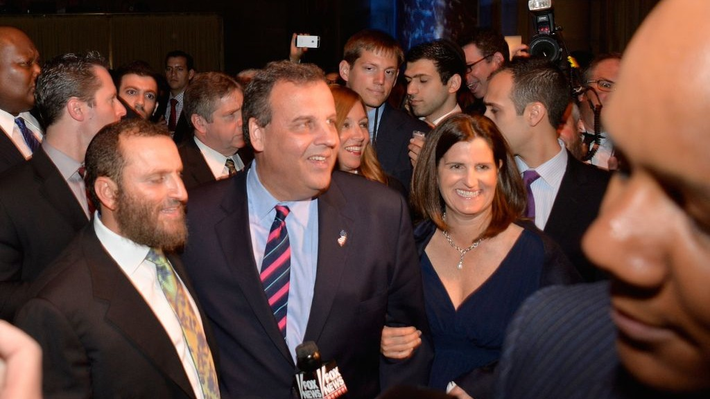 Rabbi Shmuley Boteach, left, New Jersey Gov. Chris Christie and Christie's wife, Mary Pat, at the World Jewish Values Network's gala dinner in New York City, May 18, 2014 (photo credit: Ben Gabbe/Getty Images/JTA)