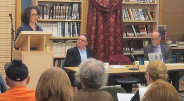 Rabbi Mychal Springer, at podium, with Rabbi Rolando Matalon and  Benyamin Cirlin.  Courtesy of Drisha
