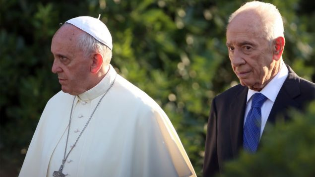 The Pope meets Israeli president Shimon Peres for a peace prayer in June. Getty Images
