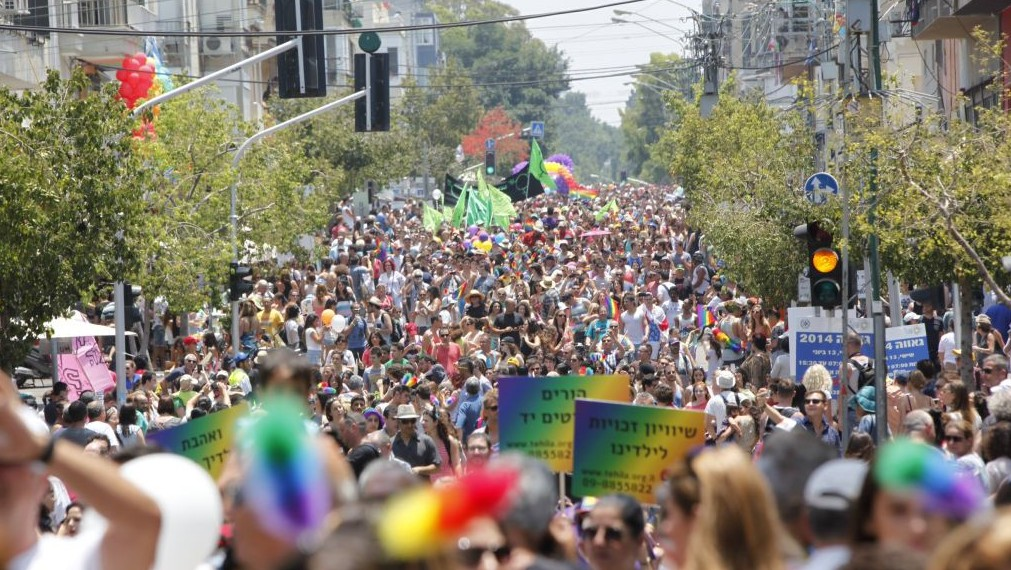 Thousands attend the annual Gay Pride parade in Tel Aviv, June 13, 2014. (photo credit: Yonatan Sindel/Flash90)