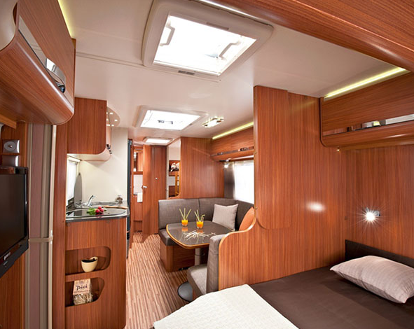A wide-angle view of the interior of the Aviva RV (Courtesy LaOfek)