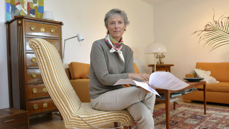 Marie Dupuy, niece of Swedish Holocaust hero Raoul Wallenberg, poses on July 2, 2014 in Pully, Switzerland, with a letter to be addressed to the Russian President Vladimir Putin. (photo credit: AFP/RICHARD JUILLIART)