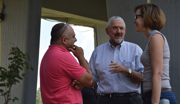UJA-Federation's Alisa Doctoroff, right, with Jewish Agency's Alan Hoffman in Israel's south.  Moshe Milner
