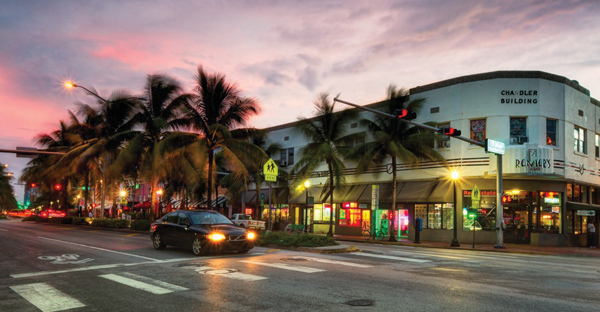 A view of Washington Avenue and 15th Street in South Beach, Miami, once a prime spot for Jewish seniors. Wikimedia Commons