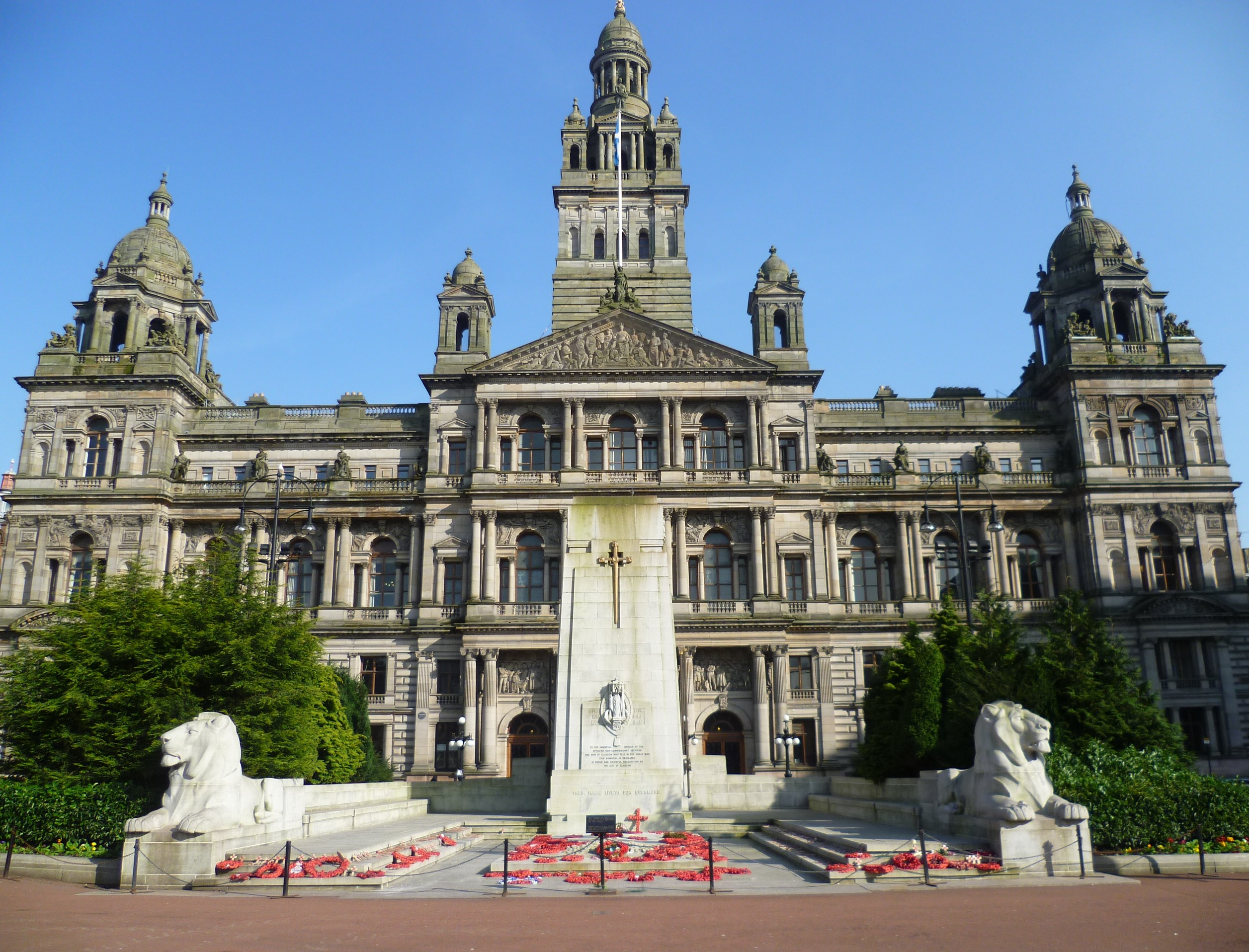 Glasgow to fly Palestinian flag from City Chambers ...