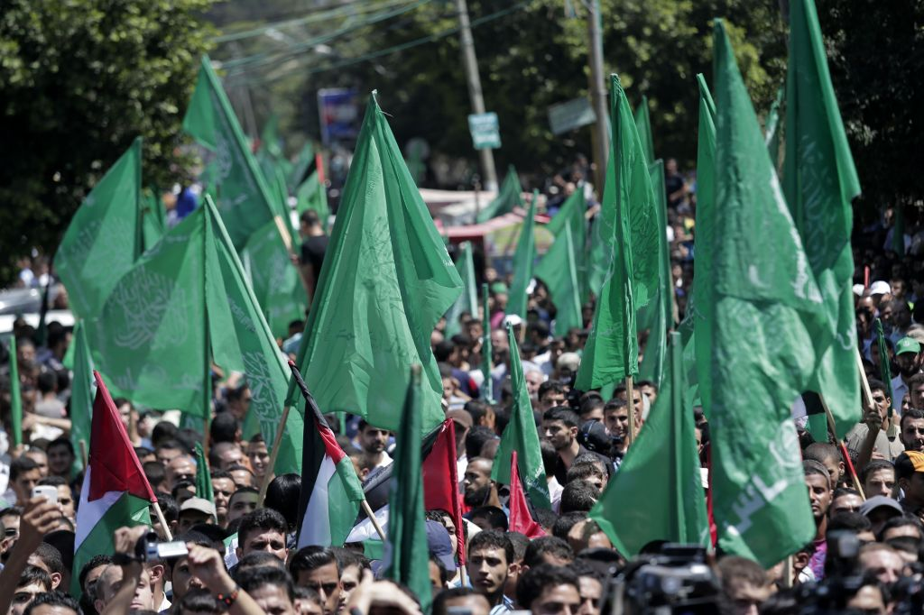 Palestinian Hamas supporters gather for a rally in Gaza City, Gaza Strip, Thursday, Aug. 7, 2014 (photo credit: AP/Lefteris Pitarakis)