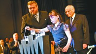 Yom Hashoah lighting candles