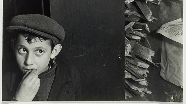 Detail from Roman Vishniac image from pre-Holocaust Poland. (screenshot http://vishniac.icp.org/)