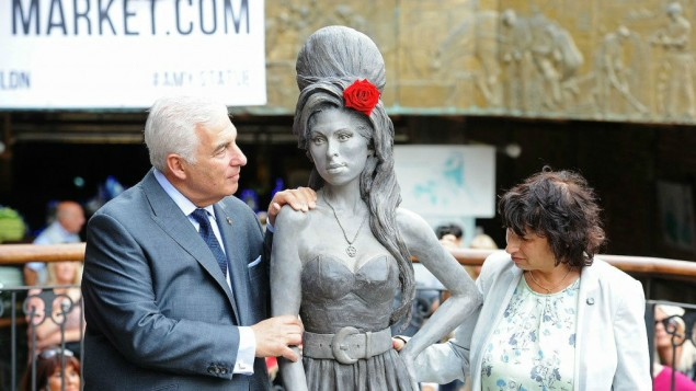 Statut d'Amy Winehouse à Camden Town - Londres (Crédit : Dave Hogan/Getty Images/JTA)