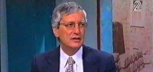 Former attorney general Michael Ben-Yair speaks with Channel 2 in an undated interview (screen capture: YouTube)