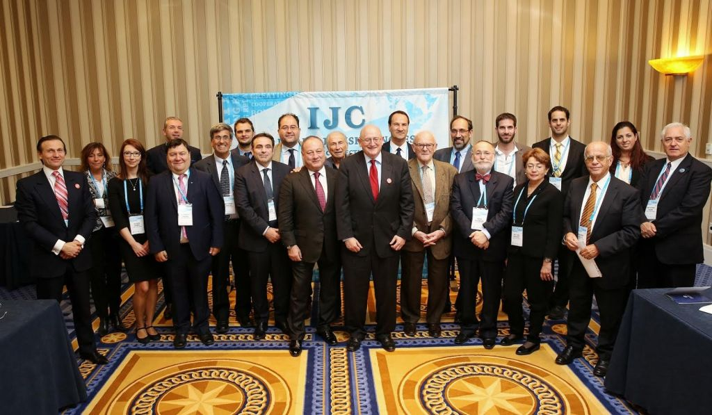 IJC Delegation meeting with Ira Forman, State Dept. Special Envoy to Monitor & Combat Anti-Semitism at the JFNA General Assembly. (Benjamin Lifshitz / IJC)