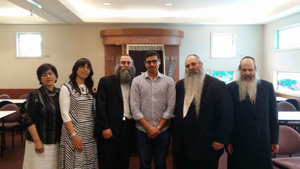 Melbourne-based members of the Groner family apologize for their father, former senior rabbi and director of the Yeshivah Centre, Rabbi Dovid Groner's part in the cover-up of sexual abuse. From left to right: Rebbetzin Miriam Telsner, Rebbetzin Rivkah Yurkowicz, Rabbi Mendy Groner, Manny Waks, Rabbi Chaim Tzvi Groner, Rabbi Yossi Groner (courtesy Manny Waks)