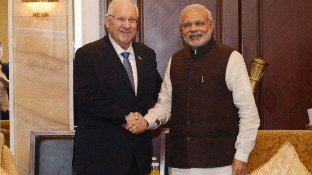 President Reuven Rivlin and Indian Prime Minister Narendra Modi on March 29, 2015 (photo credit: Tomer Reichmann/Courtesy)