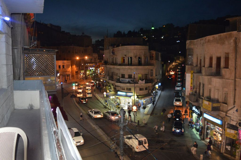 Downtown Amman by night, March 29, 2015 (photo credit: Avi Lewis/Times of Israel, Benyamin Loudmer)