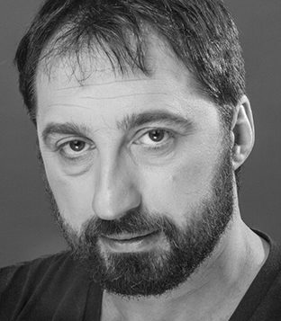 "Gera Sandler stars as Solomon Mikhoels in the New Yiddish Rep's ""Making Stalin Laugh."" Yanay Yahiel"