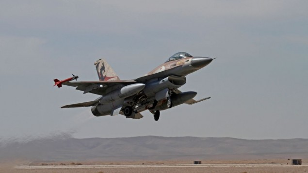 An Israeli F-16 during an exercise on November 25, 2013. (Ofer Zidon/Flash90)