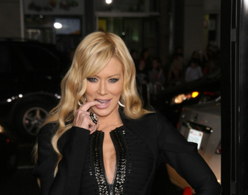 jameson jewish personals Jenna jameson is joining the tribe the semi-retired porn star has announced via social media that she's converting to judaism and has already gotten a head start on many of the religion's traditions the 41-year-old actress appears to embracing the religion since becoming engaged to her israeli.