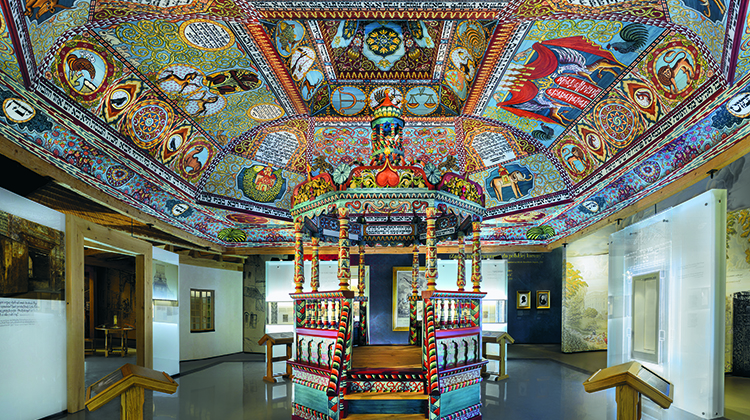 The Gwoździec synagogue roof structure, ceiling paintings and bimah installed in the 'The Jewish Town' gallery of the POLIN Museum of the History of Polish Jews. (Magda Starowieyska)