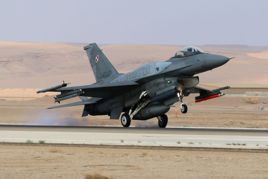 A Polish F-16 fighter jet takes off during the 'Blue Flag' exercise at Ovda Airfield near Eilat on Oct. 26, 2015. (Israel Air Force)