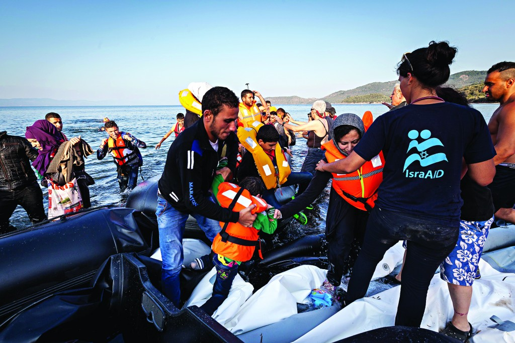 IsraAid in Greece helping refugees