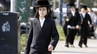 In Williamsburg, chasidic boys study long hours each day, but all but 90 minutes are spent on Jewish texts. Michael Datikash/JW