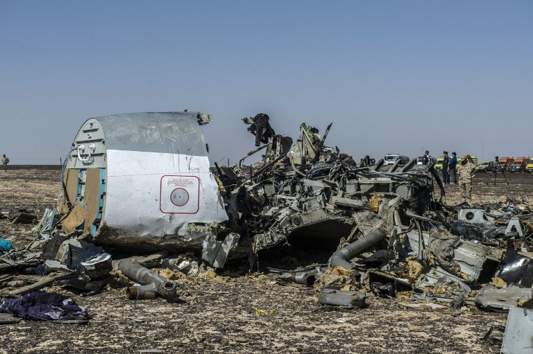 File: Debris of the A321 Russian airliner lie on the ground a day after the plane crashed in Wadi al-Zolomat, a mountainous area in Egypt's Sinai Peninsula, on November 1, 2015 (Khaled Desouki/AFP)