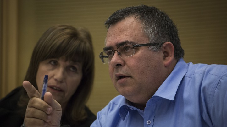 Knesset House Committee Chairman David Bitan speaks at a committee meeting October 26, 2015. (Hadas Parush/Flash90)